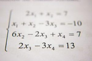 Inštrukcije matematike lahko pomagajo tistim, ki si želijo nekaj več